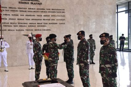 Panglima Pimpin Sertijab Komandan Kodiklat TNI